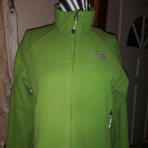 North Face NWOT, size M . Windfall jacket.